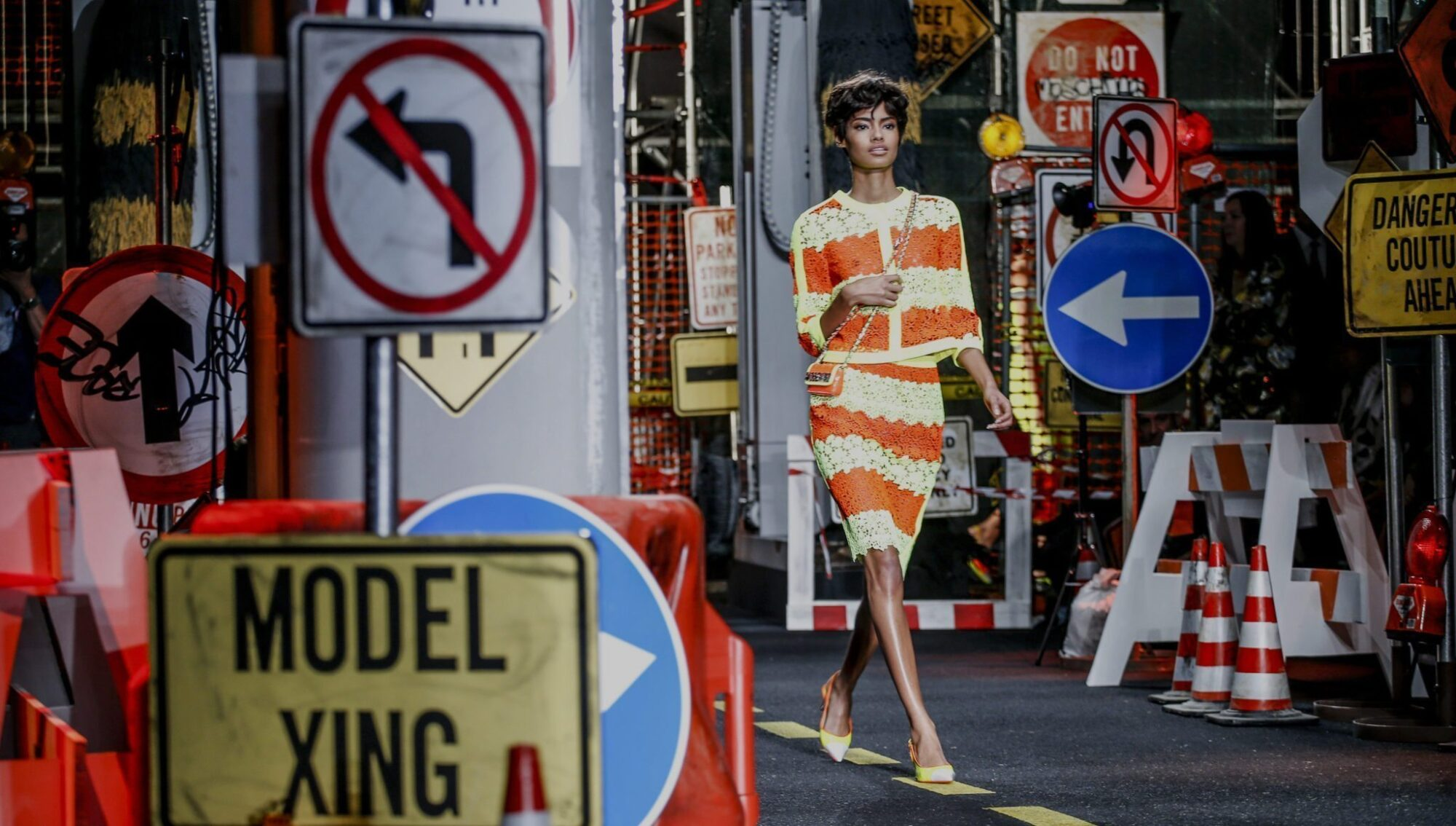 MOSCHINO SPRING 2016 RTW COLLECTION