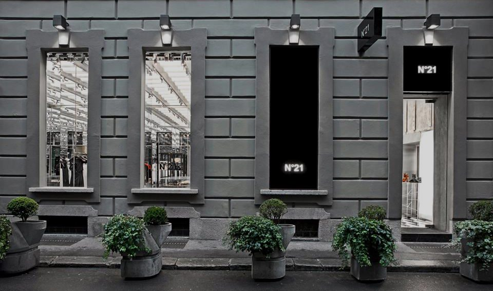 n 21 showroom milan - photo#3