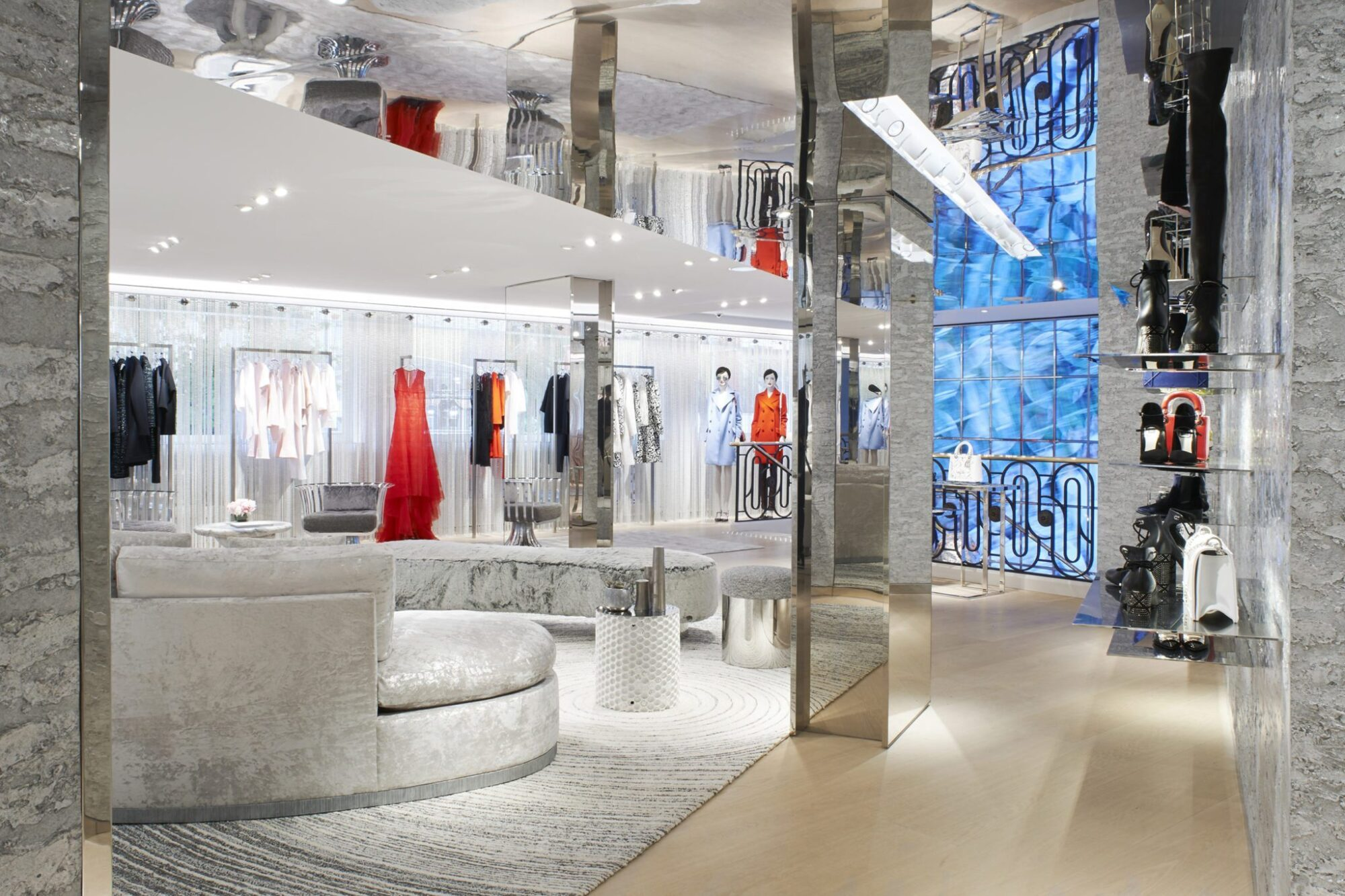 Christian dior new boutique in cannes les fa ons for Boutique pret a porter decoration