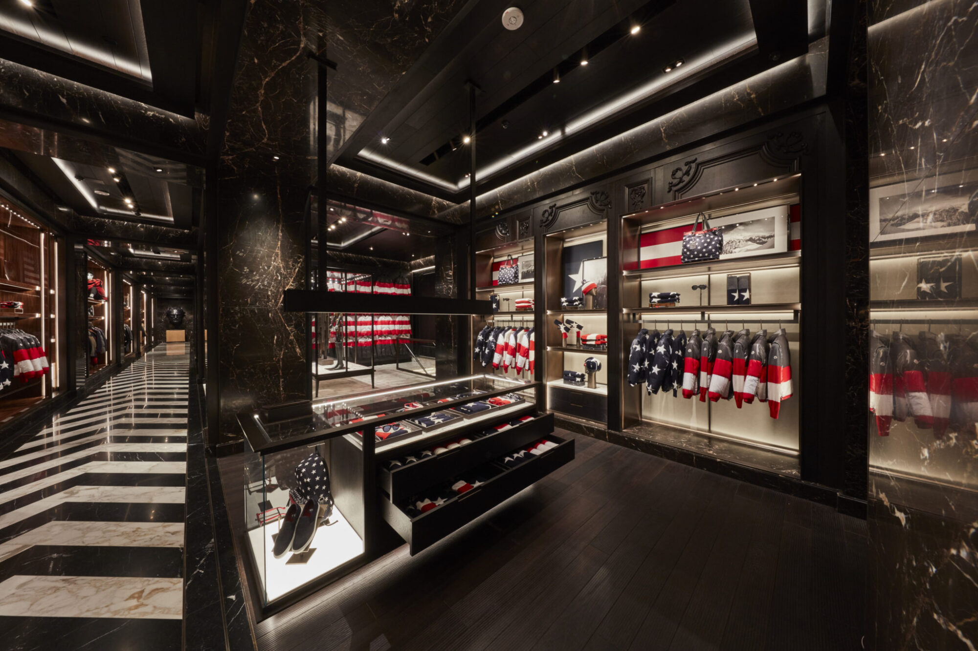 Moncler First American Flagship Store In New York Les Fa Ons