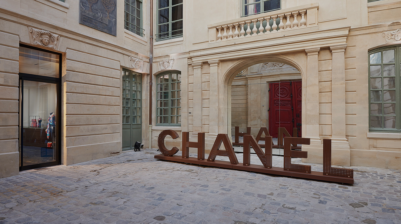 CHANEL NEW EPHEMERAL BOUTIQUE IN PARIS
