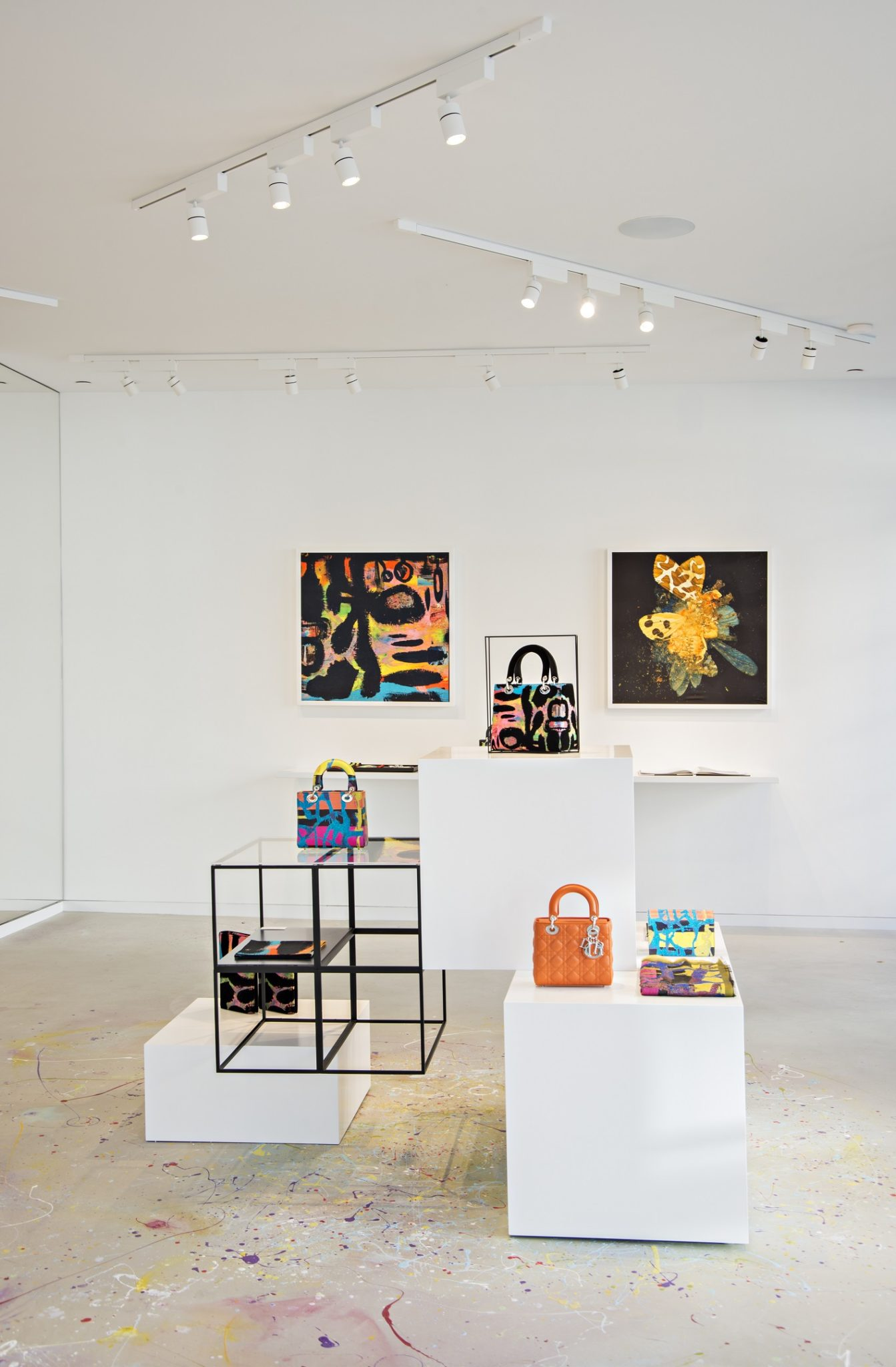 Christian Dior Lady Art Pop Up Shop In Los Angeles Les
