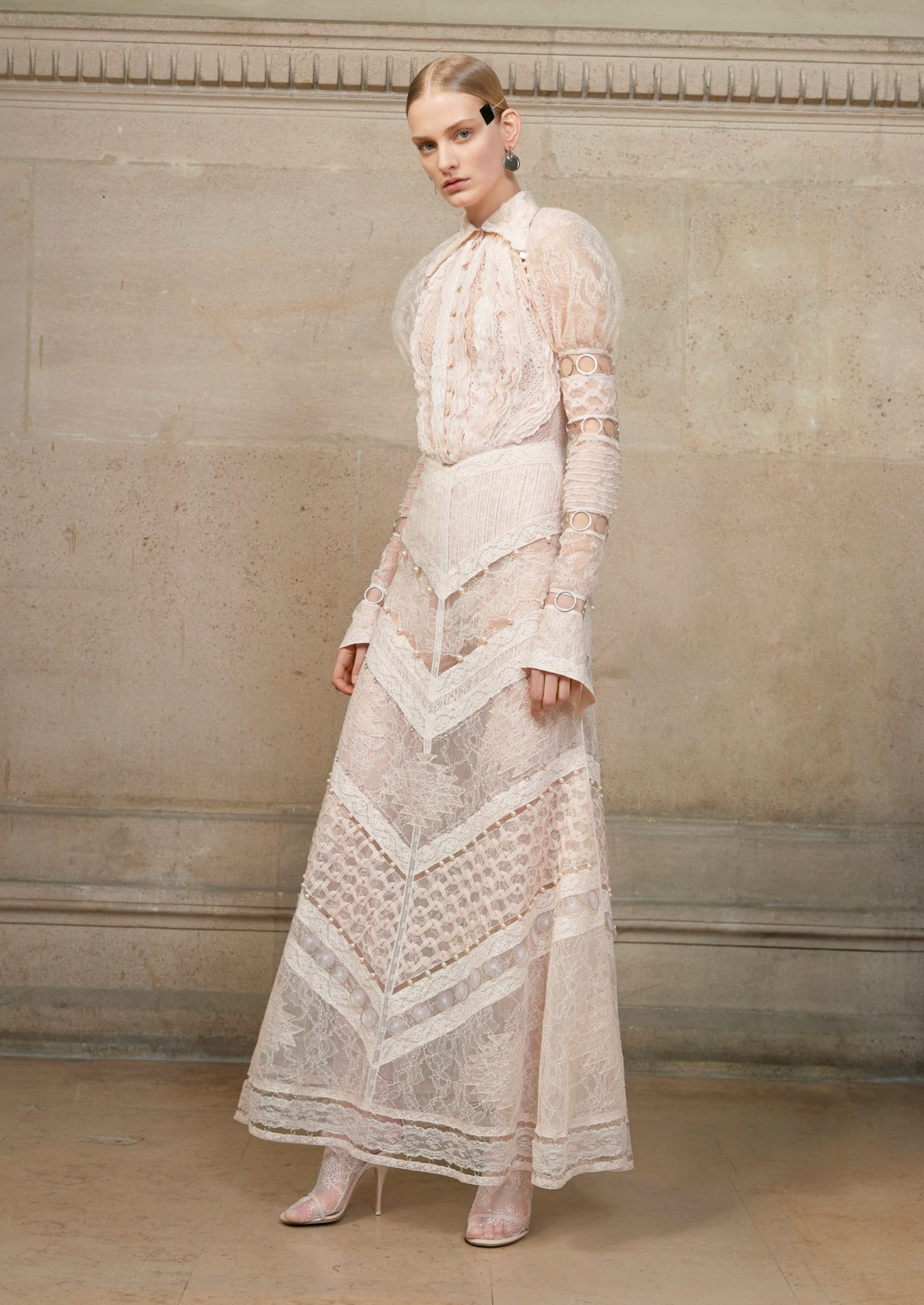Givenchy spring 2017 haute couture collection les fa ons for Couture 2017