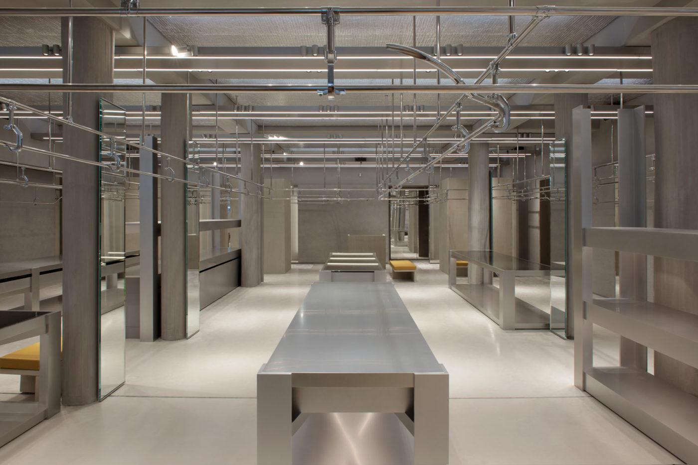 Balenciaga flagship store in paris les fa ons for Balenciaga new york store
