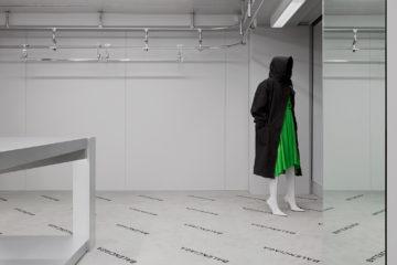 C line pre fall 2017 ad campaign les fa ons for Balenciaga new york store