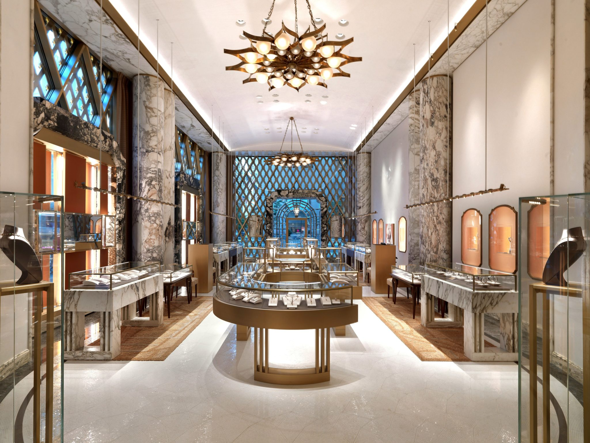 Bulgari flagship store in new york les fa ons for Home decor stores in nyc
