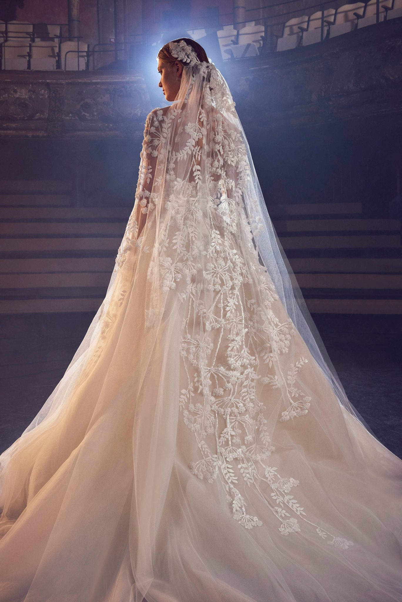 Elie Saab Fall 2018 Bridal Collection Les Fa 199 Ons