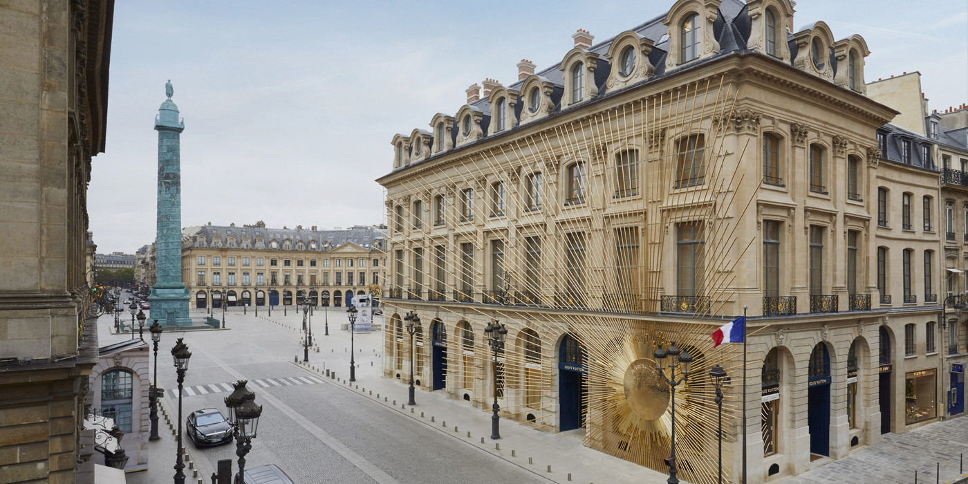 LOUIS VUITTON FLAGSHIP STORE IN PARIS