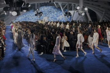 CHRISTIAN DIOR SPRING 2016 RTW COLLECTION IN BEIJING