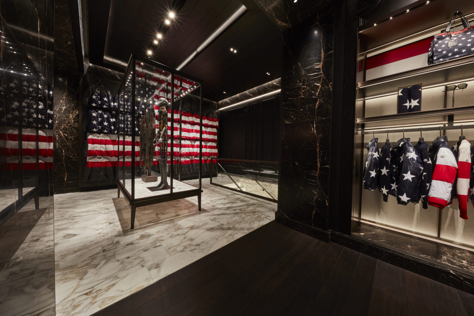 the latest 919ef 48b5f Moncler First American Flagship Store in New York | LES FAÇONS