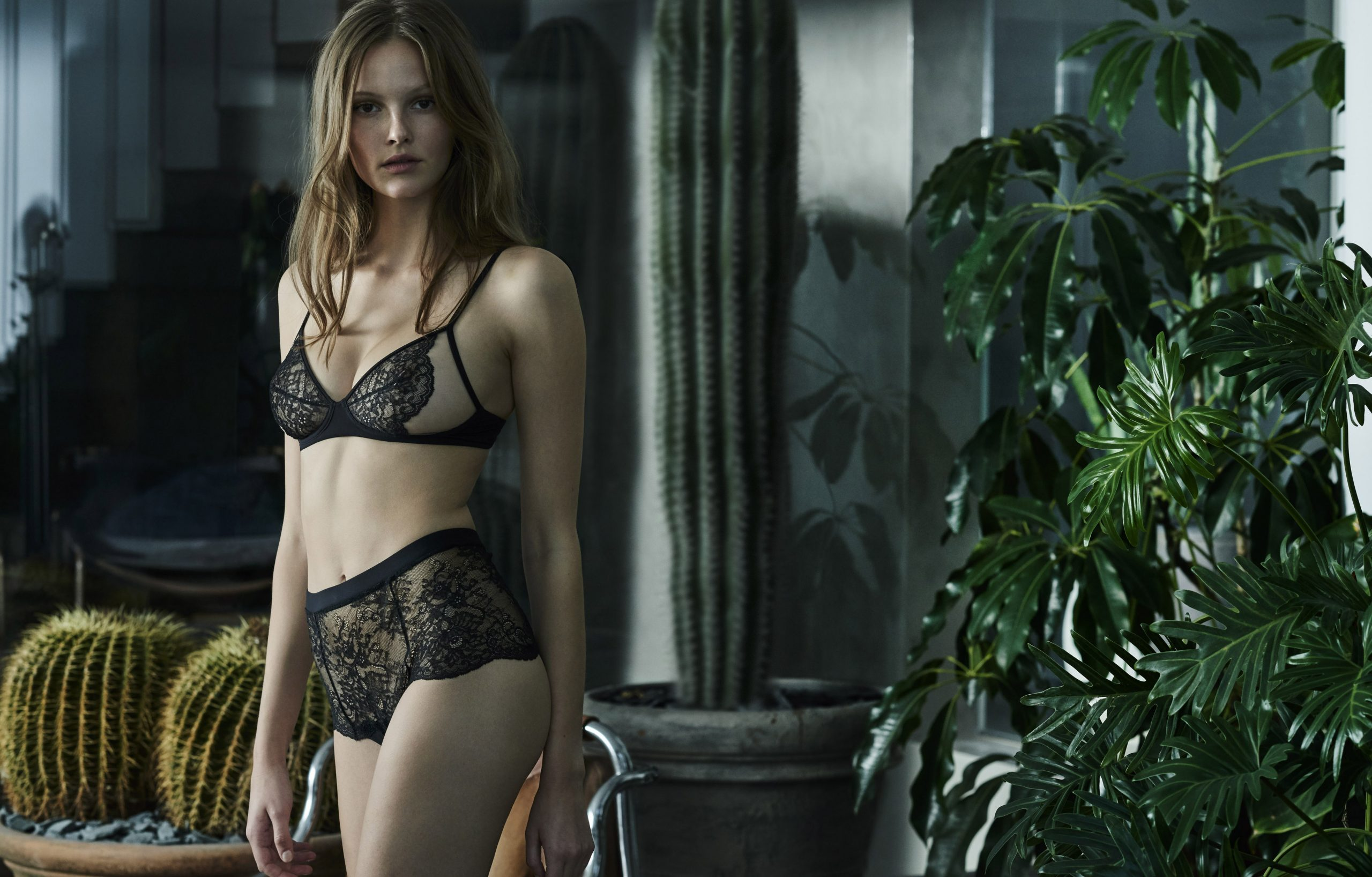 Kendall Jenner Wears Lingerie In Steamy New La Perla Ads Racy Campaign Images